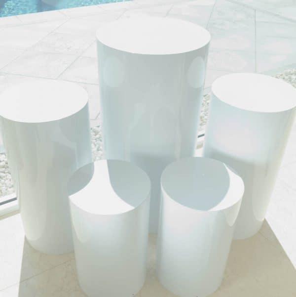 Round White Plinths 01