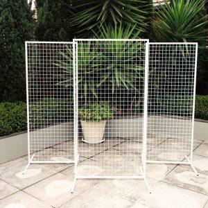 Triple white mesh backdrop 01