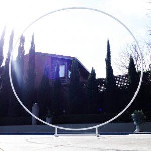 White round backdrop